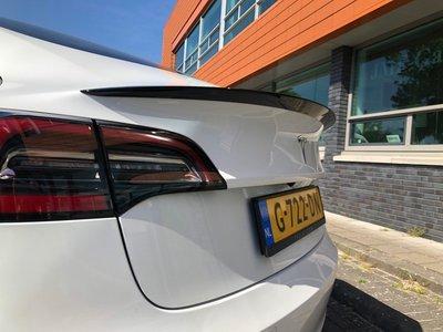 Tesla Model 3 Glans Piano Zwart Koffer Spoiler